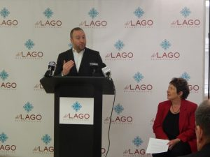 Jeff Babinski, del Lago Resort & Casino Executive Vice President and General Manager, speaks at the press conference.